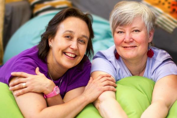 Johanna ja Anu | Kätilötalon kätilödoulat